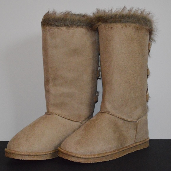 5b5116f272e JustFab Shoes - Tall Tan Boots with Fur - Bows on Back